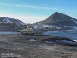 Hut Point et base de McMurdo / Hut Point and McMurdo Station