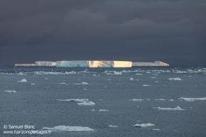 Iceberg tabulaire / Tabular iceberg