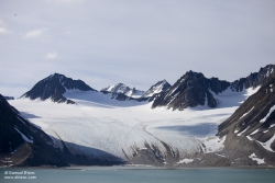 Glacier Gully dans la Baie de le Madeleine / Gully Glacier in Magdalenefjord