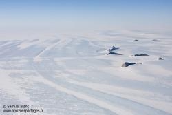Au-dessus de la calotte glacière / Above the ice cape