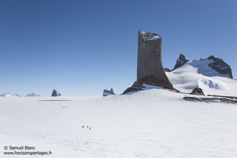 Le mont Holtanna en Antarctique