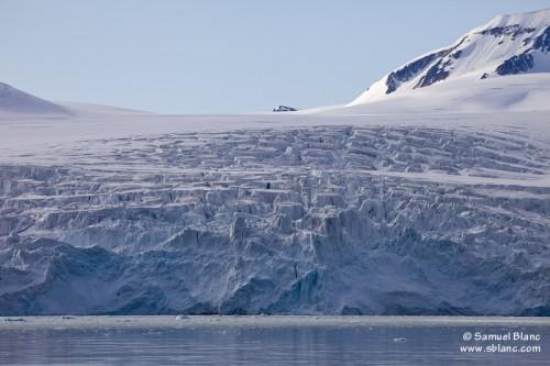 Glacier dans la Fuglefjord au Spitzberg