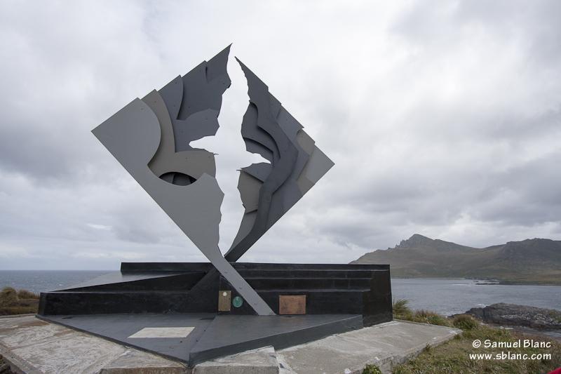 Monument représentant un albatros au Cap Horn