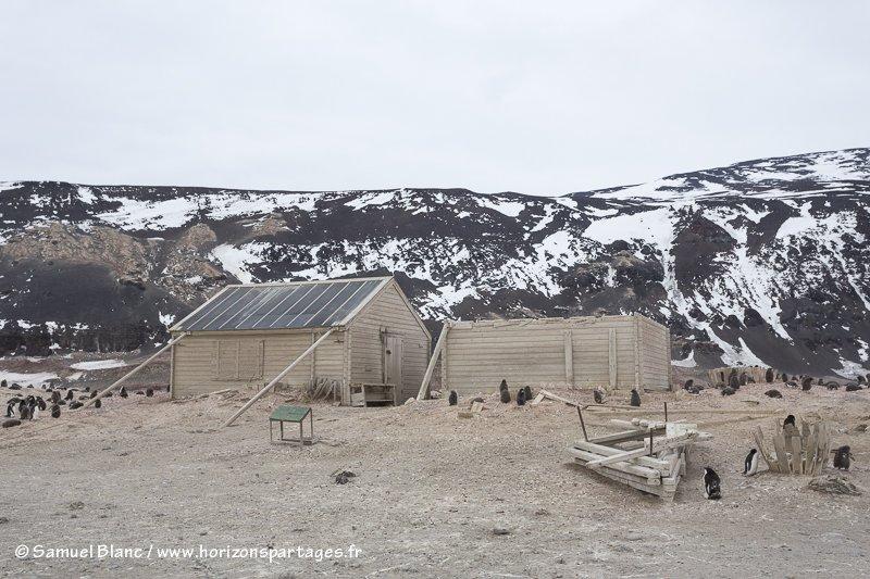 Cabane de Borchgrevink au cap Adare