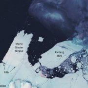 Glacier Mertz et iceberg B9B © Neil Young
